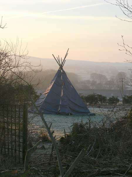 Tipee in the mist - Northlodge eco-camping