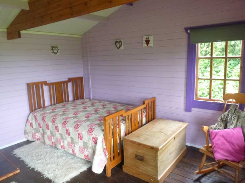 Damson cabin bed - Northlodge eco-camping