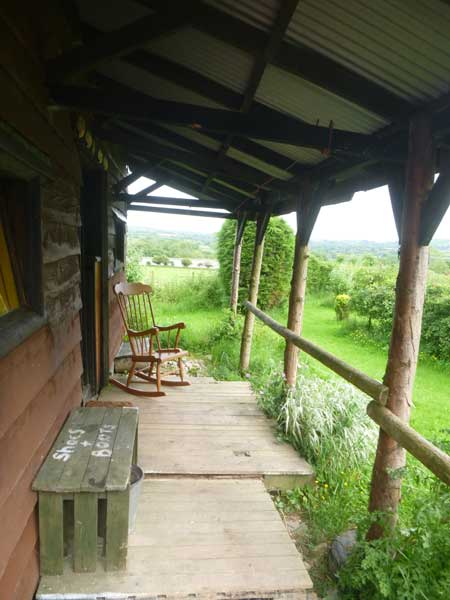 Preseli cabin porch - Northlodge eco-camping